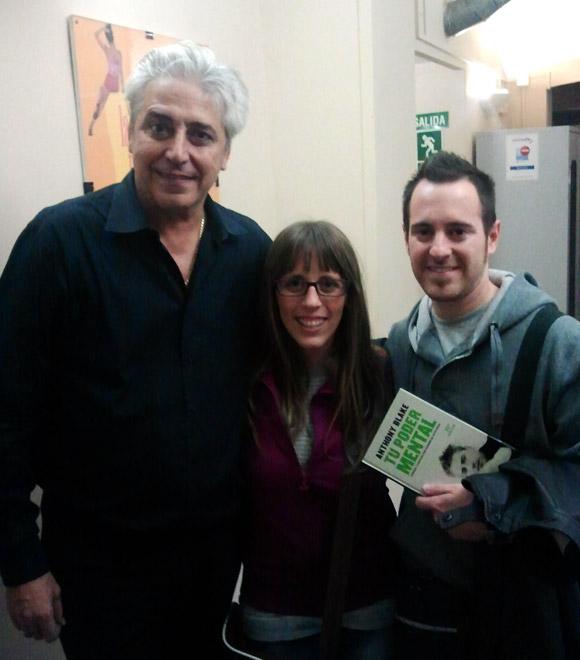 """Anthony Blake, junto a Paula Marín y Carlos Cuenca, tras su espectáculo """"No vengas solo"""""""